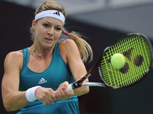 Kremlin Cup: Maria Kirilenko edges out Yaroslava Shvedova to reach quarters