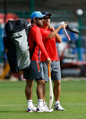 Play spin like Mahendra Singh Dhoni: Gary Kirsten tells budding cricketers