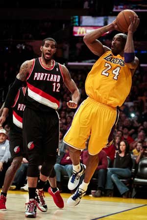 Lakers ride huge 1st quarter past Blazers 103-92