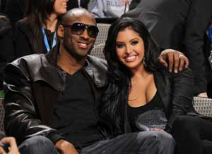 Kobe Bryant's wife to keep 3 mansions after divorce: Report