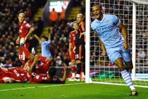 Kompany says Van Persie would improve Manchester City