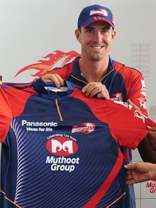 IPL 6: Injured Kevin Pietersen drops in at Kotla ahead of Rajasthan match