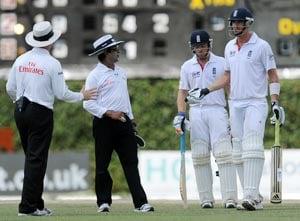 Kevin Pietersen warned for switch hit