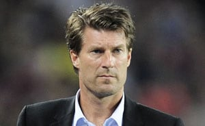 Michael Laudrup signs new Swansea contract