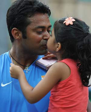 Leander Paes Takes Rhea Pillai to Court Over Daughter's Custody