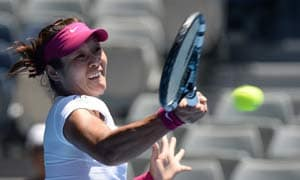 Australian Open: Gritty Li Na survives scare to stay alive