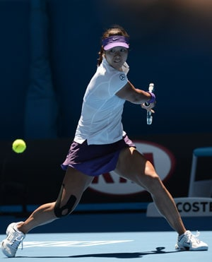 China's Li Na battles into Australian Open third round