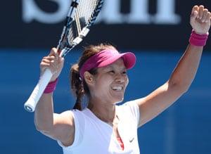 Australian Open: Li Na beats Eugenie Bouchard in straight sets to enter final