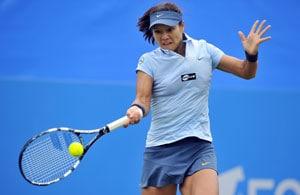 Li Na beats Victoria Azarenka to enter WTA Championships semifinals