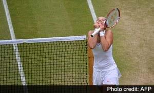 Sabine Lisicki avoids letdown to gain Wimbledon semifinal