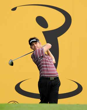 Storm halts Oosthuizen charge in Malaysia