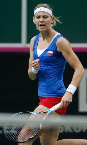Lucie Safarova wins Quebec City WTA title