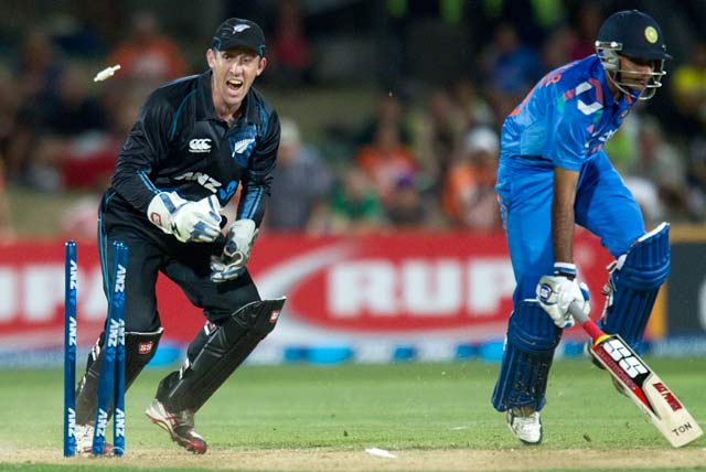 New Zealand wicketkeeper Luke Ronchi sure of beating India