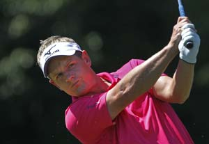 Quiros retains lead, Donald on brink of historic feat