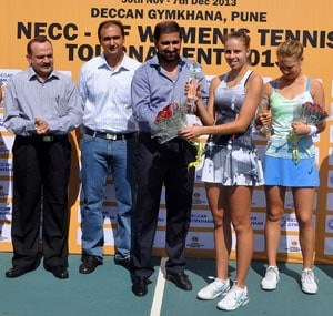 Polands Magda Linette clinches ITF womens title in Pune