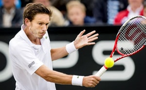 Nicolas Mahut beats Stanislas Wawrinka to win maiden ATP title at 31