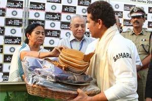 """Please Come Again"", Mamata Banerjee tells Sachin Tendulkar at close of play"