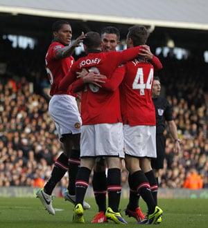 EPL: Manchester United stroll, Manchester City run riot, Chelsea crash