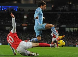 Silva goal guides Man City past Arsenal