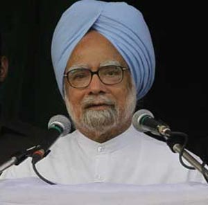 Politics and sports should not be mixed: PM Manmohan Singh on IPL row