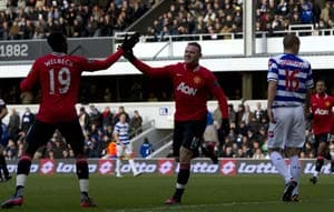Man United beat QPR to keep pressure on City