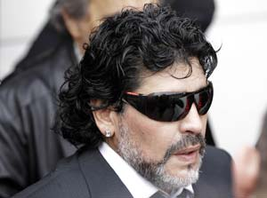 Maradona set date with India again