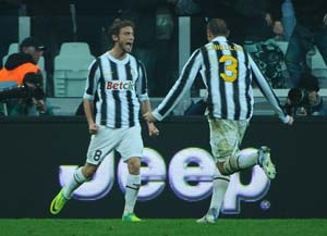 Juventus reclaim Serie A lead with win over Cesena