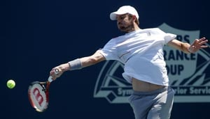 Fish close to clinching spot at ATP finals