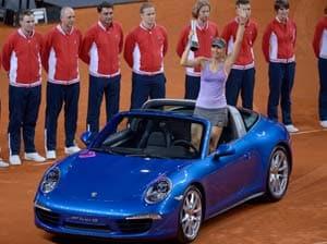 Maria Sharapova beats Ana Ivanovic in Stuttgart final