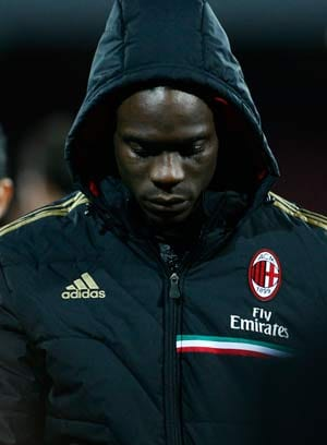 Mario Balotelli denies reported scuffles with photographer