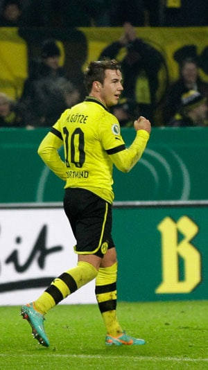 Dortmund routs Hannover 5-1 in Cup, Bayern up next