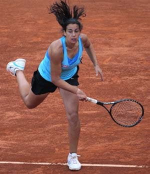 Bartoli hops and screams into the semis