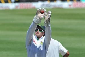 Boucher becomes first wicketkeeper with 500 catches