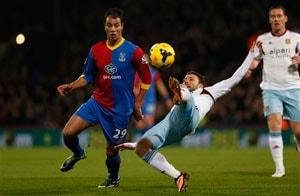 Marouane Chamakh goal takes Crystal Palace off bottom