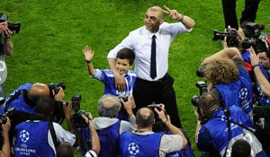 Di Matteo may take a permanent role in Chelsea: Official