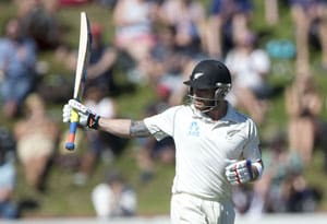 Brendon McCullum leads Kiwi resistance with 9th Test hundred
