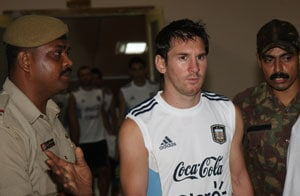 Messi dazzles India, Bhutia retires in eventful 2011