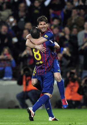 Messi penalty helps Barcelona beat Bilbao