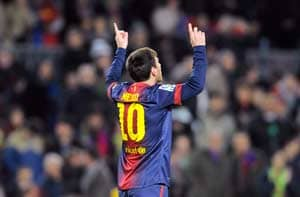 Lionel Messi scores 4 goals to pass 200 in La Liga
