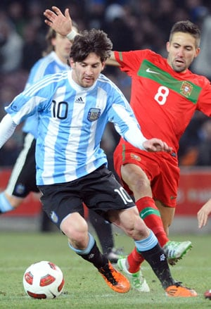 Messi gets the better of Ronaldo