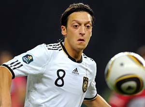 Loew recalls Ozil for Germany double-header