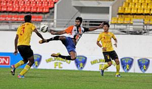 I-League: Ahmad Hatife scores as Mumbai FC shock East Bengal 3-2