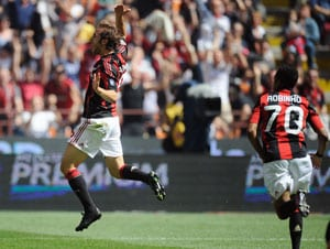 AC Milan move within 1 point of Serie A title