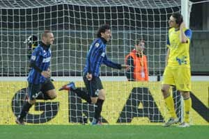 Last-gasp Inter Milan give Ranieri reprieve