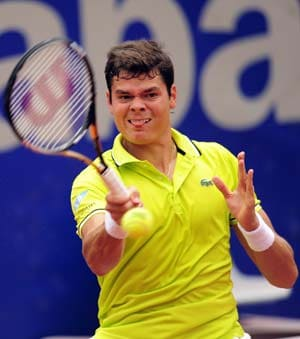 Monte Carlo Masters: Milos Raonic advances, Gilles Simon knocked out