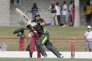Pakistan win ODI series with a scrappy four-wicket win vs West Indies
