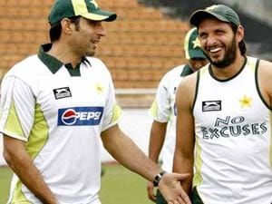 Misbah on front-foot against critics of his captaincy