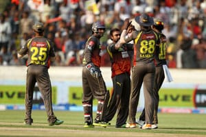 IPL 6: Bowlers, Dhawan fire Hyderabad to a convincing 7-wicket win over Mumbai