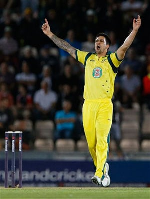 Mitchell Johnson's toe infection spreads to leg