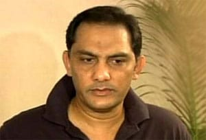 Azharuddin feels Dhoni needs to keep his comments in check
